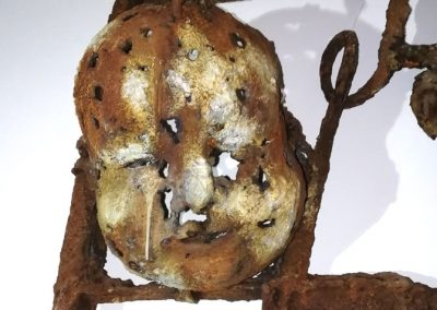 HEADS UP - Resin/iron/jute/reclaimed metal